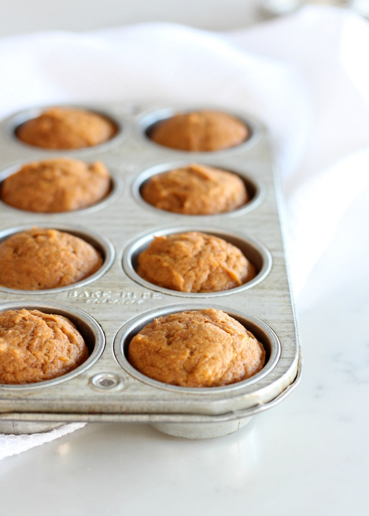 Mini Pumpkin Spice Cupcakes in Vintage Bake-Rite Tinware