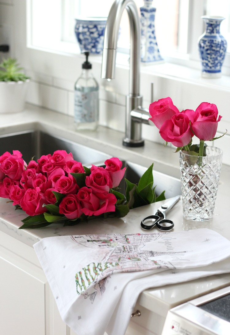Colourful Christmas Home Tour with Bright Pink Roses in the Kitchen