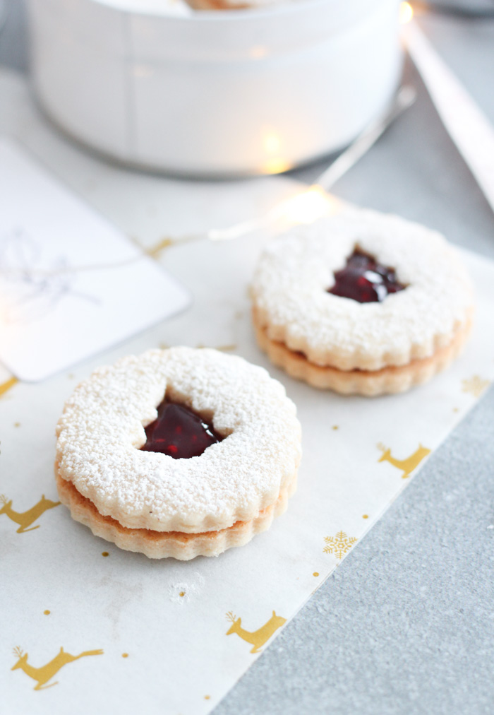 How to Wrap Baked Goods for Christmas Gifts Using Simple Supplies - Holiday Linzer Cookies