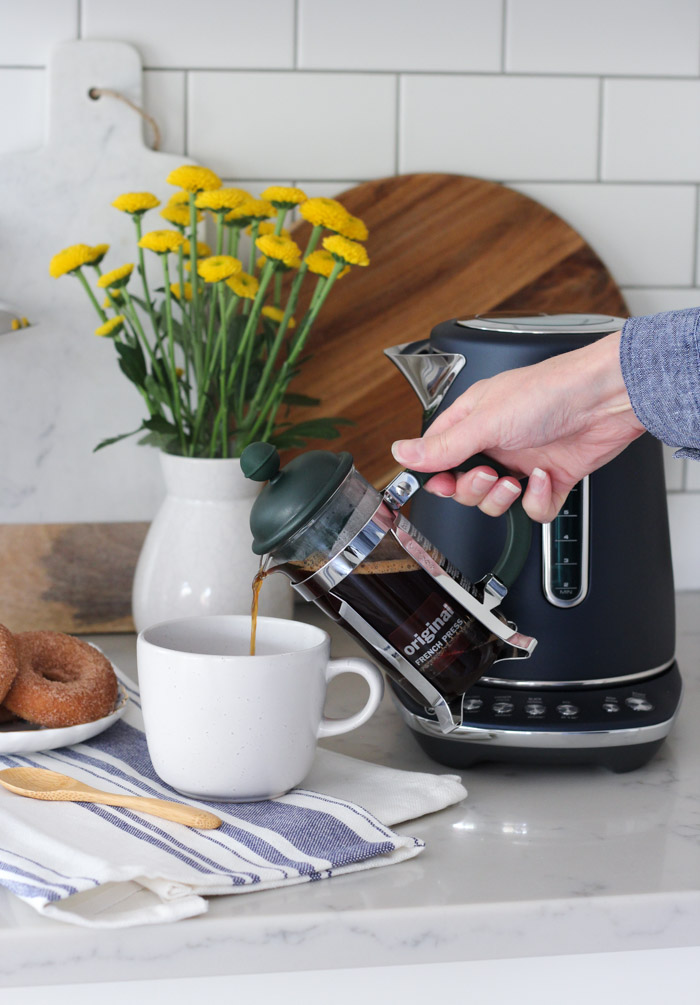 Making French Press Coffee with Breville's Smart Kettle in Damson Blue