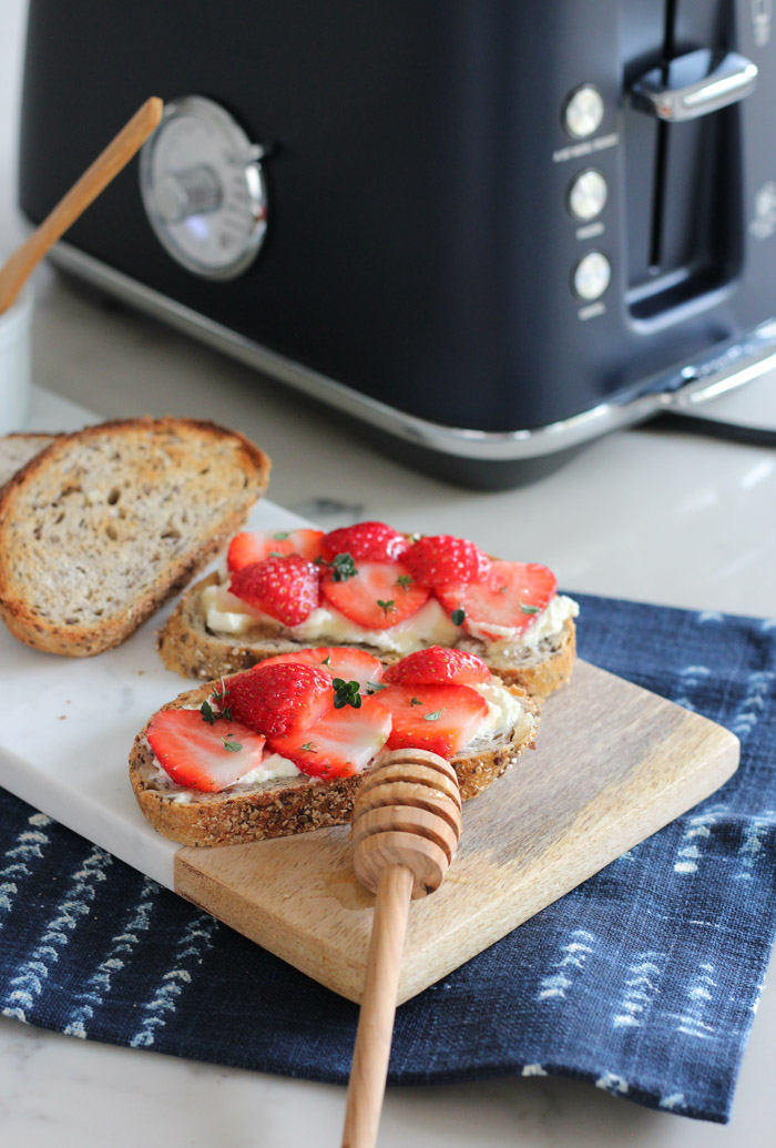 Breville Blue Toaster with Strawberry Cream Cheese Toast