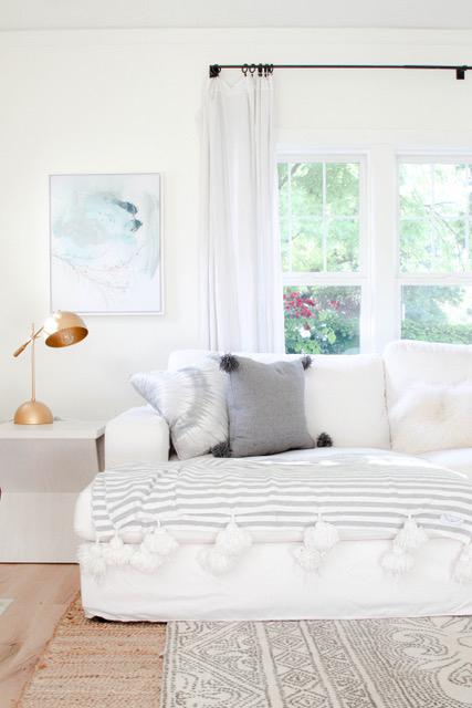 Benjamin Moore Cotton Balls Wall Color - Modern Glam