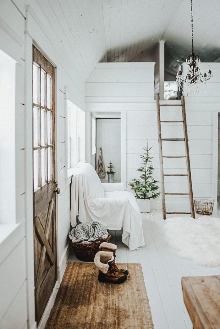 BM Oxford White Tiny Home - Vintage Society Co.