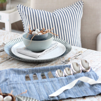 Tea Towel Silverware Holder with Pockets for Spoons, Forks and Knives