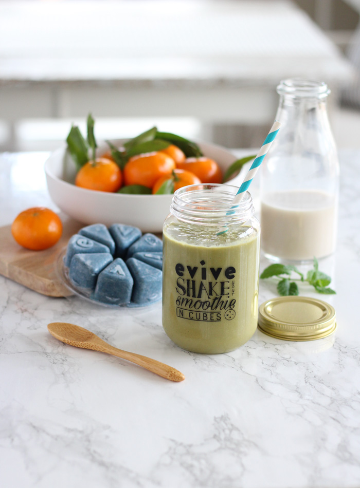 Green Smoothie in Evive Jar with Bowl of Clementines