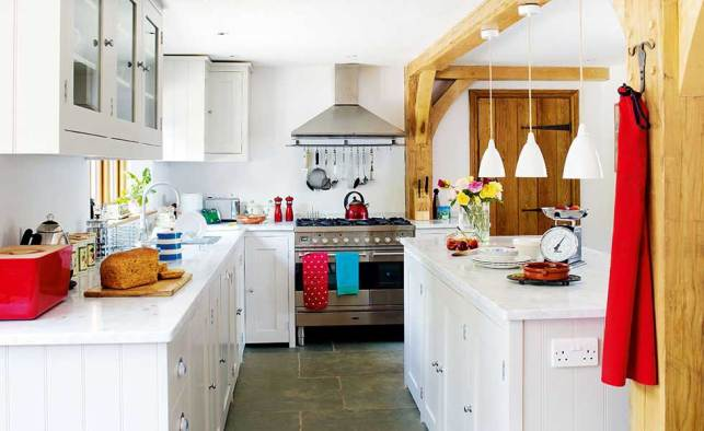 Clean and Calm Decor in Country Kitchen - pinterestcom