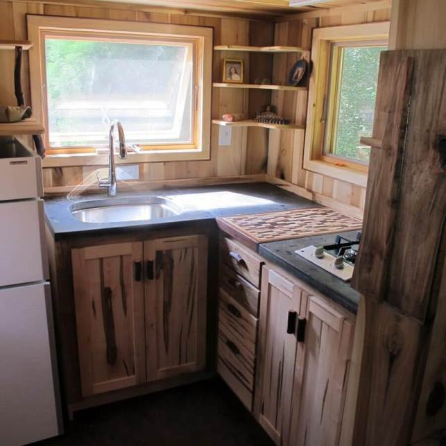 Introduce a Rustic Look - tinyhousewooncom