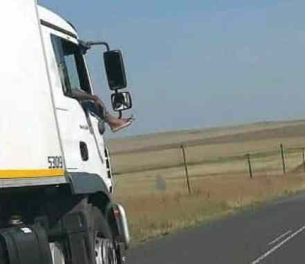 Truck driver captured in a reckless position on SA road