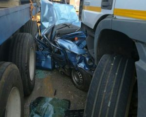 PICS | Man trapped for over an hour in Hammarsdale crash wreckage