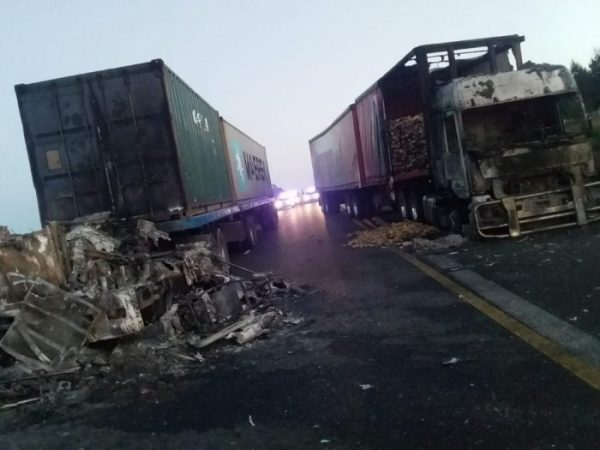 WATCH: Trucks set alight near Mooi River Toll Plaza