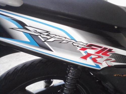 Penambahan Stiker RR, kan 125 cc jadinya kelasnya di atas yang R
