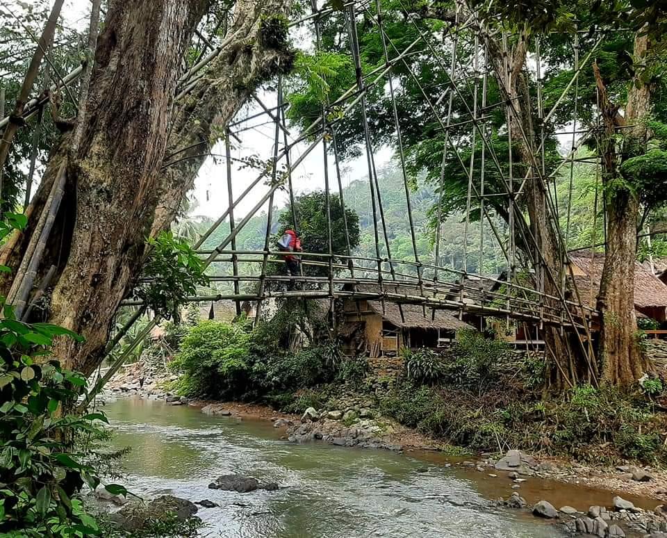 Rancangan Unik Jembatan Na Kenekes kebudayaan Suku Baduy