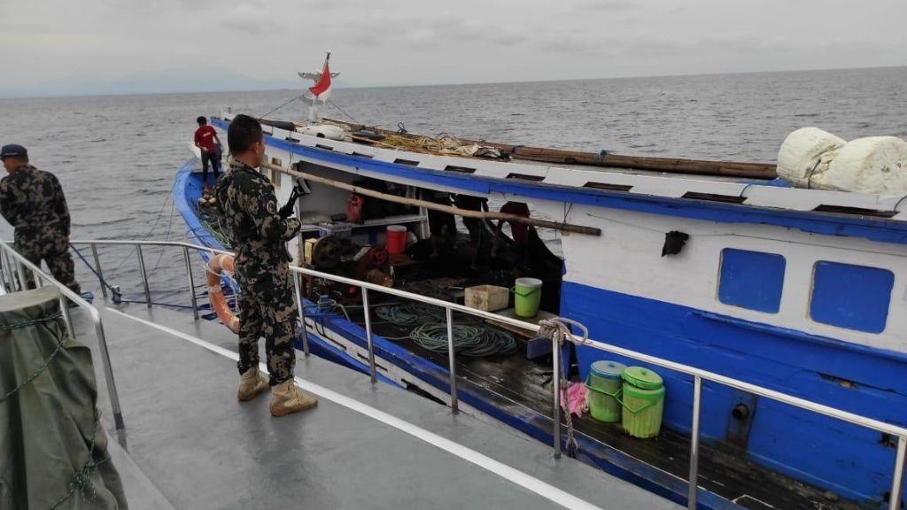 Amankan 3 Kapal Pelaku Pelanggaran di Teluk Tolo