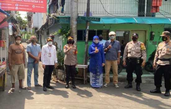 3 Pilar Tanjung Duren Sosialisasi Covid 19 dan Bagikan Masker