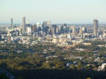 Mount Coot-tha Lookout: Brisbane city skyline