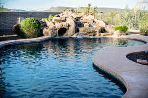 Saturn Pools builds in Peoria, AZ