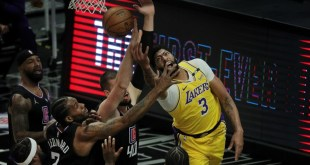1620360977 Lakers Anthony Davis wont return against Clippers due to back