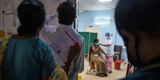 Indias Vaccine Drive Stalls as it Breaks Covid Cases Record