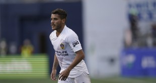 Jonathan dos Santos late goal lifts Galaxy to win over