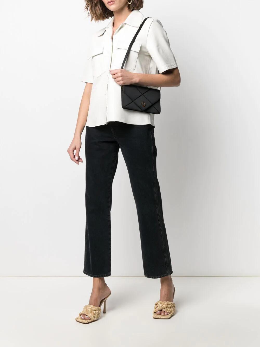 編織的菱格紋路配上 Hermès 的「H」金扣,喜欺簡約中帶設計感的絕對喜歡這款😍