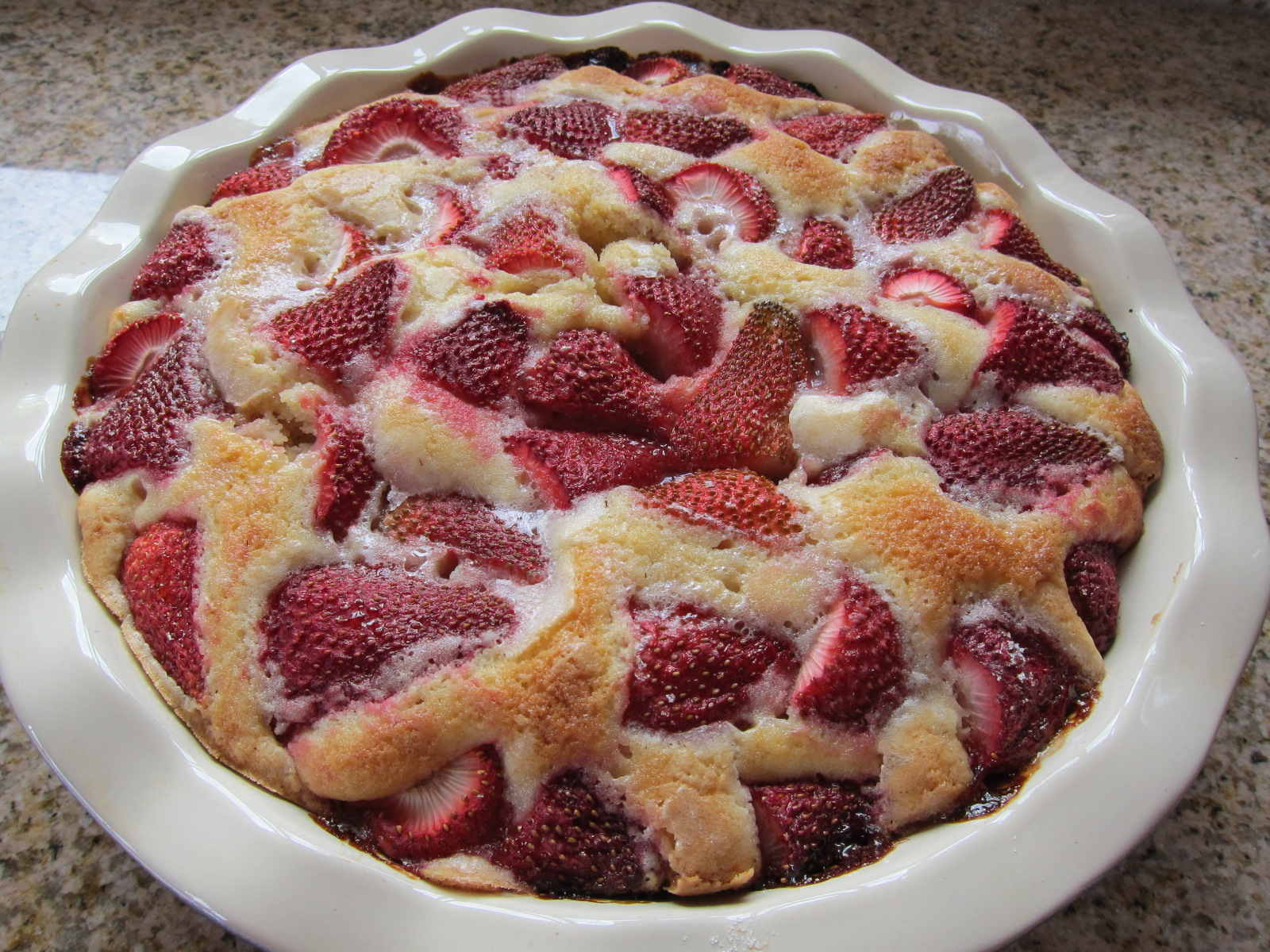 Easy Strawberry Cake Saucy Mommy