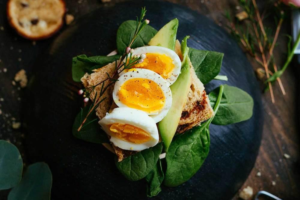 ovo no café da manhã