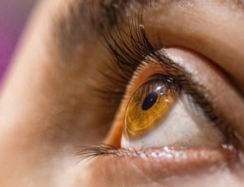 Oftalmologistas alertam para sintomas da degenerescência macular da idade