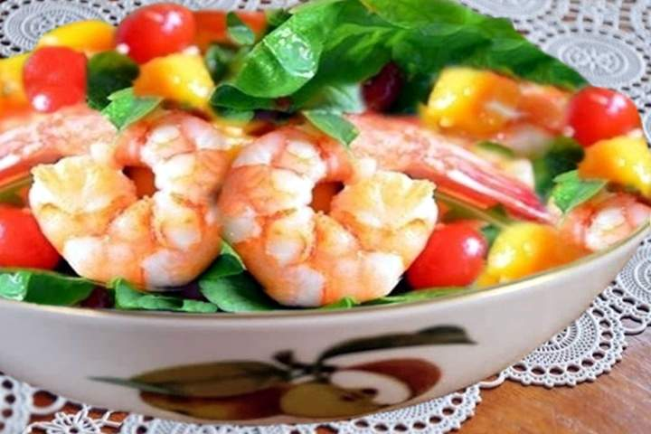 Salada de Manga com Camarão.