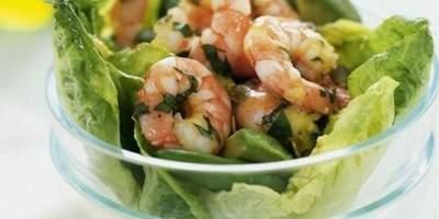 Salada com Abacate e Camarão