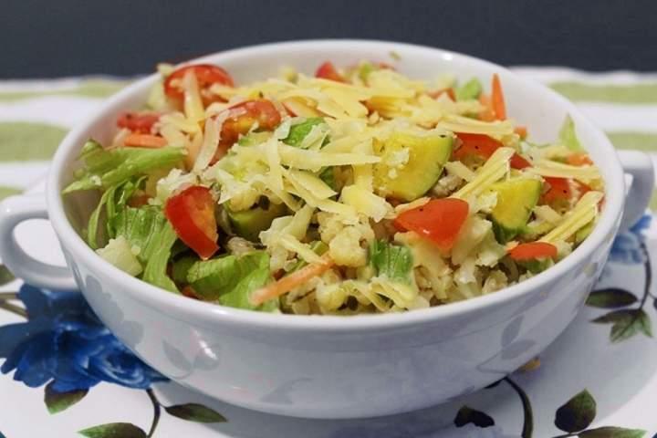 Salada de Couve Flor com Legumes