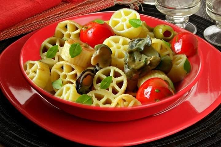 Salada de Macarrão com Ostras