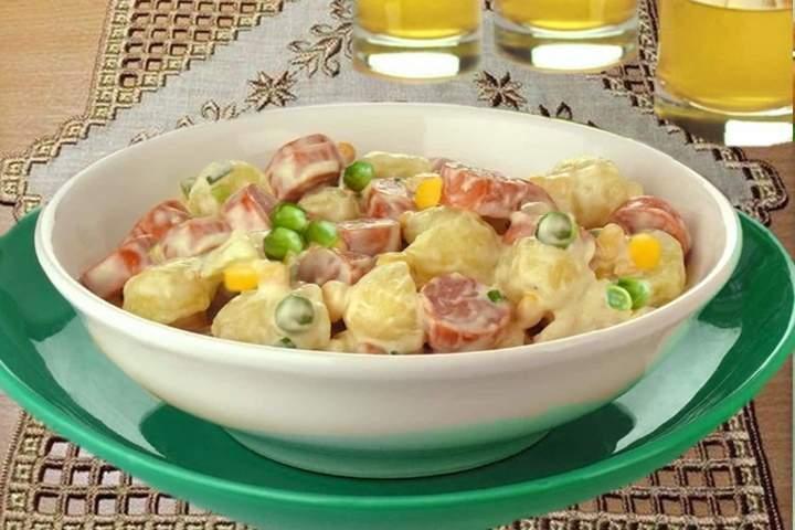 Salada de Batata com Salsicha
