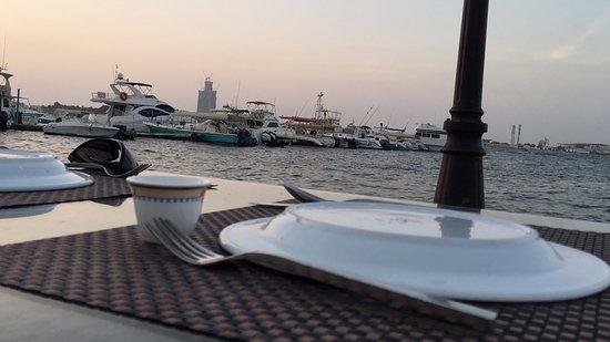 مطعم اسماك القزام