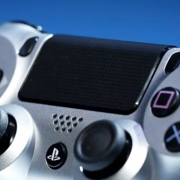 بلايستيشن 4 PS4