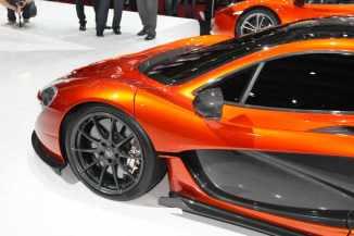McLaren-P1-Paris-motor-show-17
