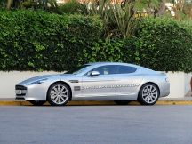 2014-Aston-Martin-Rapide-Saloon-01[4]