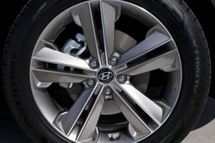 2013-Hyundai-Santa-Fe-25[2]