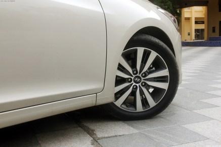 Hyundai-Mistra-Sedan-30[2]