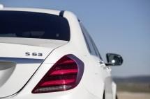 mercedes-unveils-sclass-facelift-18