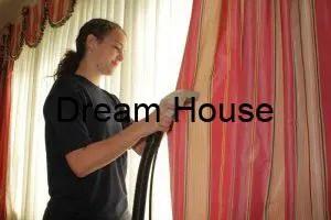 كيفية تنظيف الستائر في المنزل