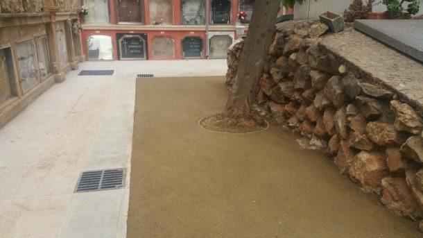 Paviment recent acabat Sauló Sòlid cementiri de Sants Barcelona 02