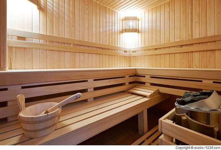Welche Feuchtigkeitsprobleme kann eine Heimsauna im Keller verursachen?