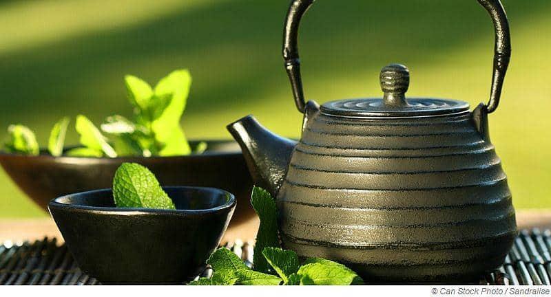 Heißer Tee bei Erkältung