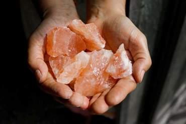 Interessante Fakten über das rosa Kristallsalz aus Pakistan