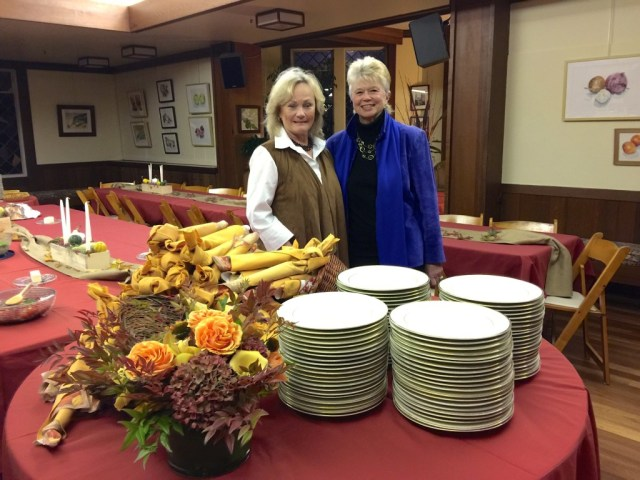 Plates, utensils, Jean, Marion