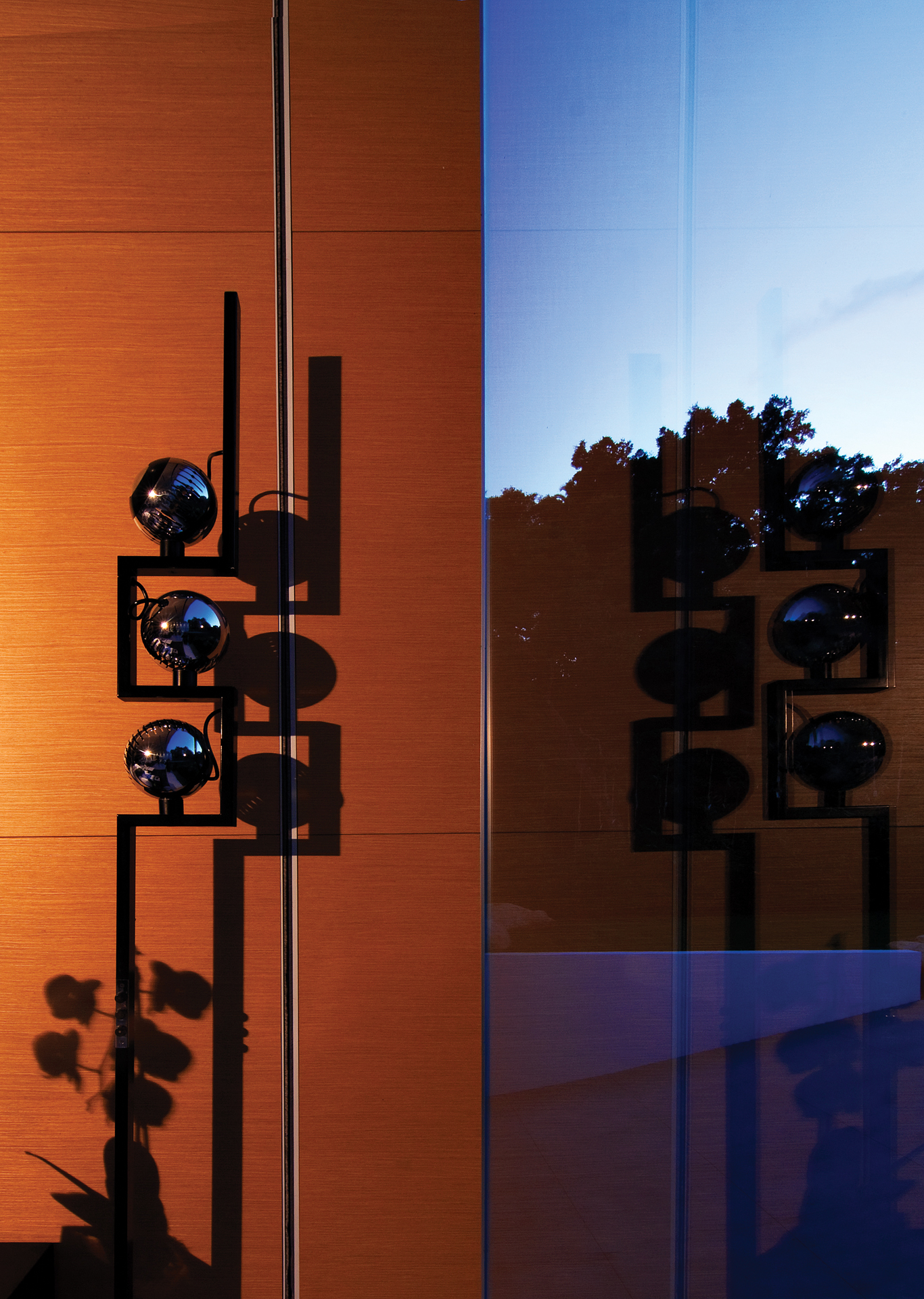 Glass Pavilion, Santa Barbara, CA • Architect & Designer Steve Hermann • Photographer Savannah Wishart • Images for use in Lux Magazine, Portugal.