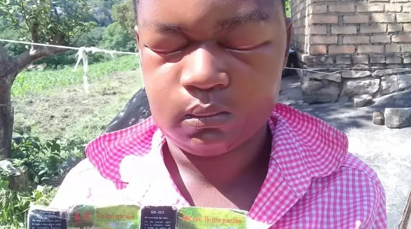 masvingo Woman blind chinese hair dye