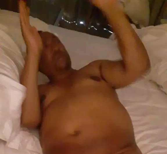 Video: Suspended eThekwiniCity Manager caught pants-down with friends wife