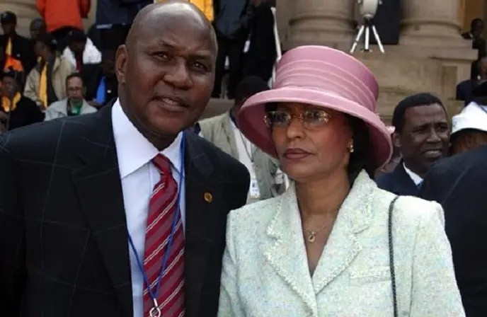 How many children does Kaizer Motaung have with Valeta Motaung?