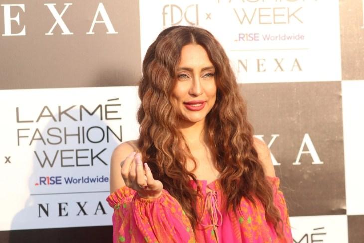 Anusha Dandekar, Shibani Dandekar As A Guest at Lakme Fashion Show Day